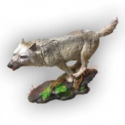 Волк на скале(полистоун)