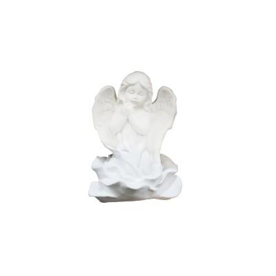 Ангел-молится маленький
