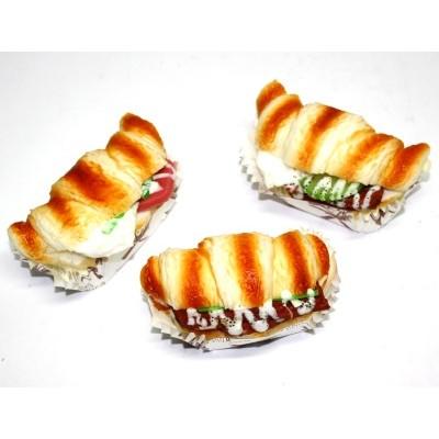 Сквиш-магнит Круассан-бутерброд
